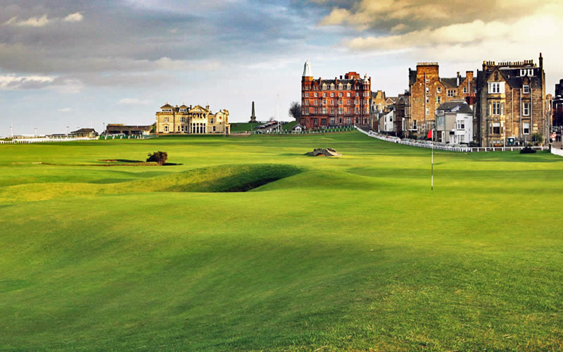 St Andrews, Scotland<br> 5 nights / 5 rounds<br> From $1,450 USD pp